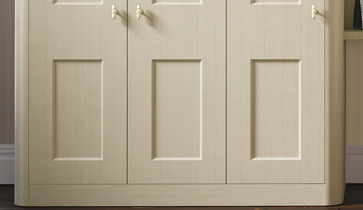 Shaker style bedroom doors