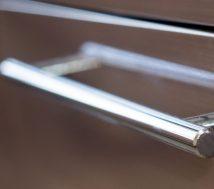 How to clean kitchen door handles